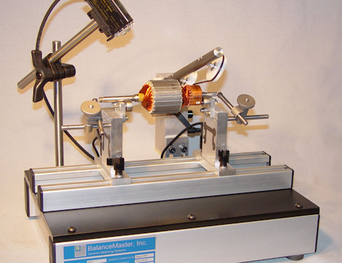 Horizontal balancing machine with small electric armature